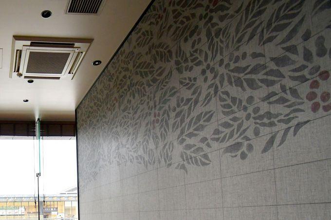 奈良の吉野杉、伝統工芸を生かした壁紙などの見どころも