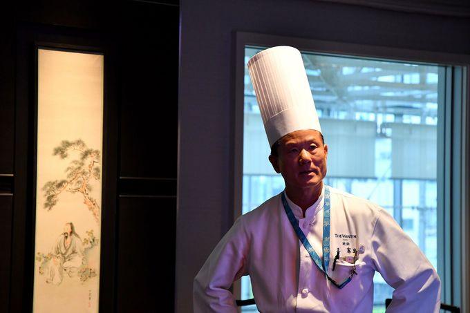 名料理長の王氏、手がける「医食同源」の料理はどれも超一流