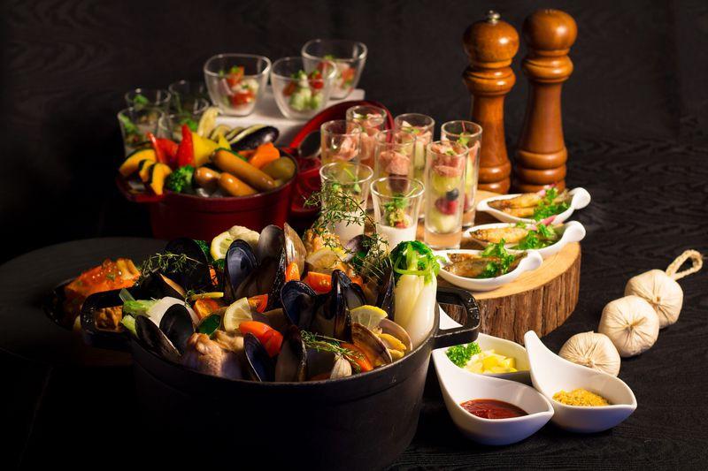 洋風の鍋料理をブッフェで味わう! ウェスティンホテル大阪の冬メニュー