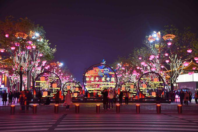 西安の最新スポット「曲江新区」と圧巻ライトアップ