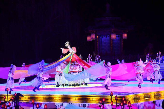 楊貴妃ゆかりの華清池で夜に華麗なショーを見物