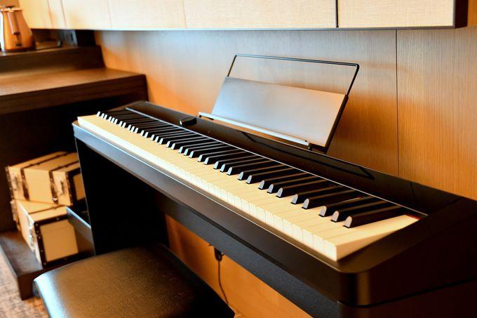 全室にデジタルピアノ、話題の「猿田彦珈琲」も提供