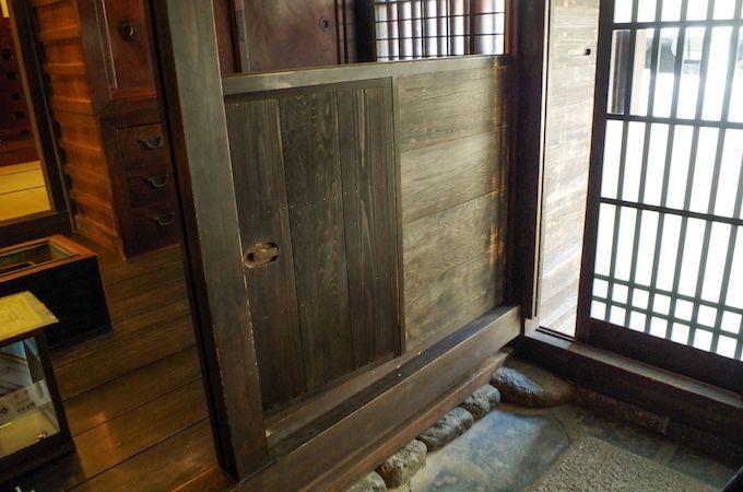戸や窓に注目!開けたり、閉めたり、観察したりして楽しもう