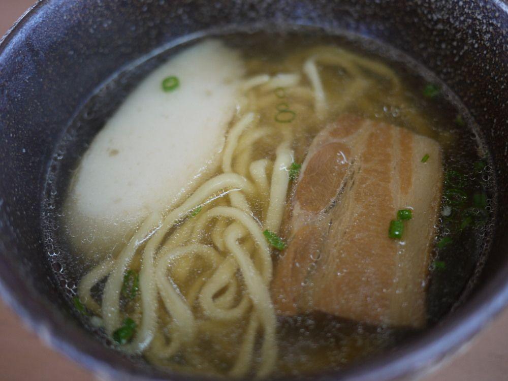 優しい味が嬉しい「久米島そば」