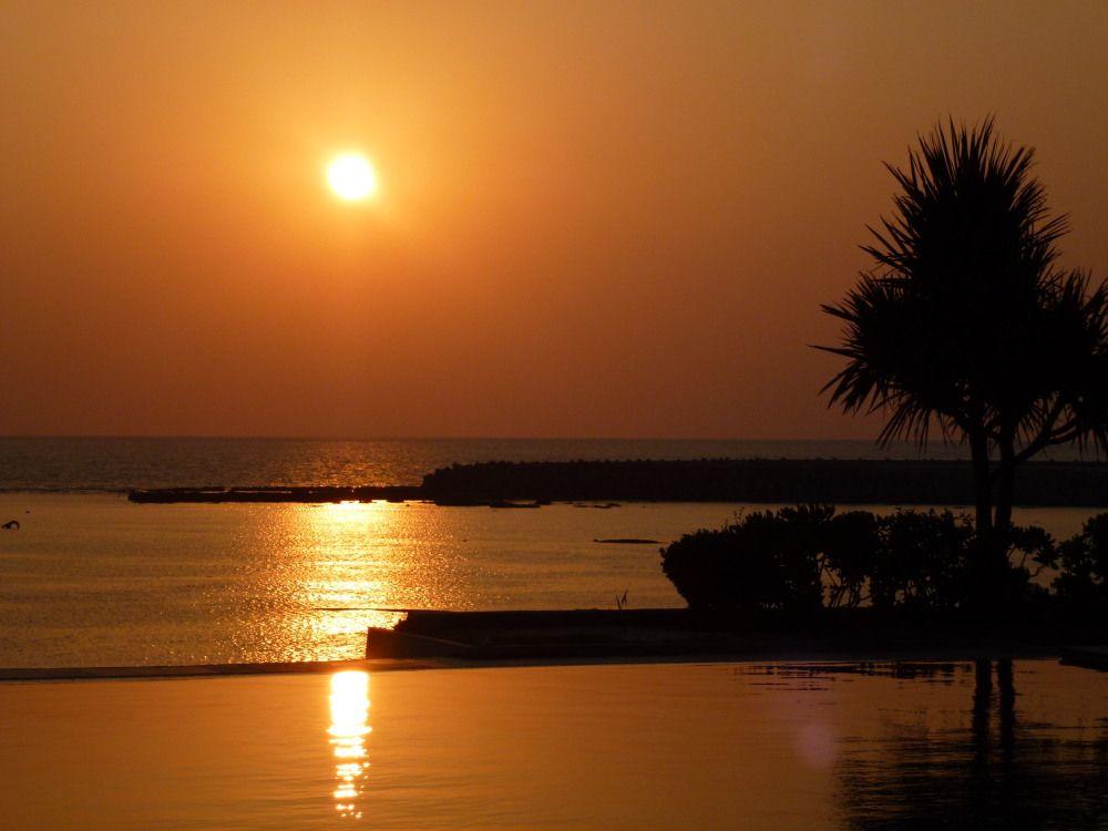 シンリ浜の美しいサンセット