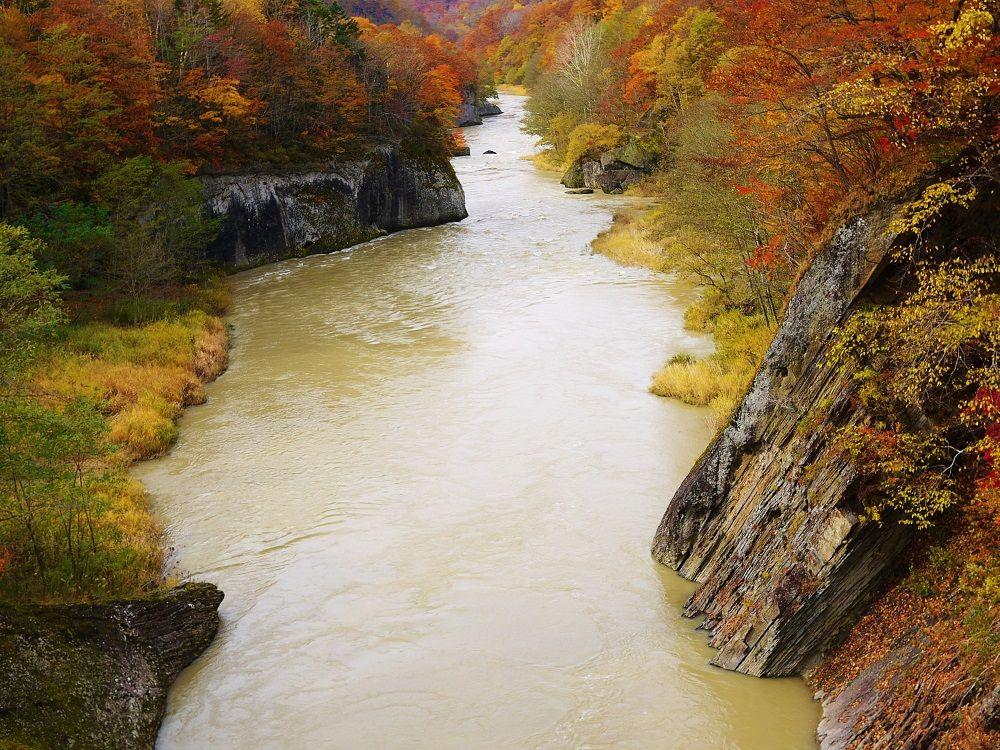 奇石そびえる美しき渓谷「竜仙峡(りゅうせんきょう)」