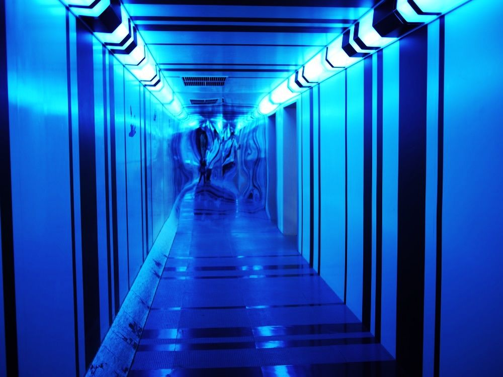 不思議体験!錯覚の部屋「ステップトレイナー」