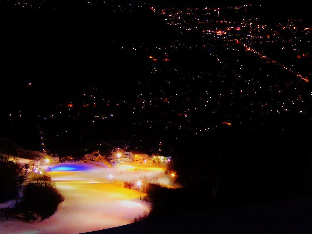 絶景夜景に向かって滑降する快感は「小樽天狗山スキー場」ならでは!