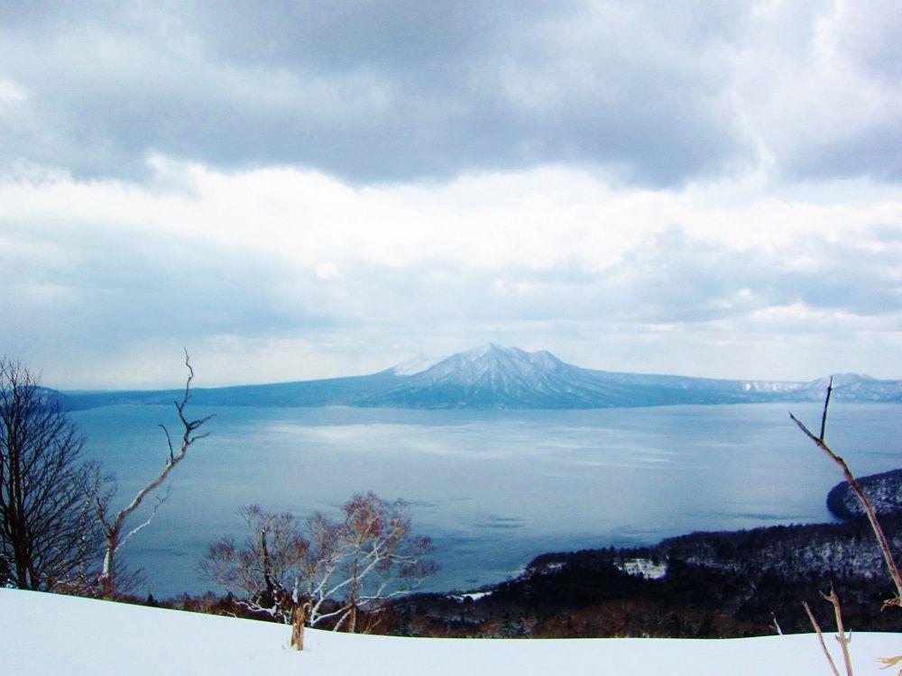 雪の支笏湖を見渡す大自然の展望台!北海道「幌平山」冬登山