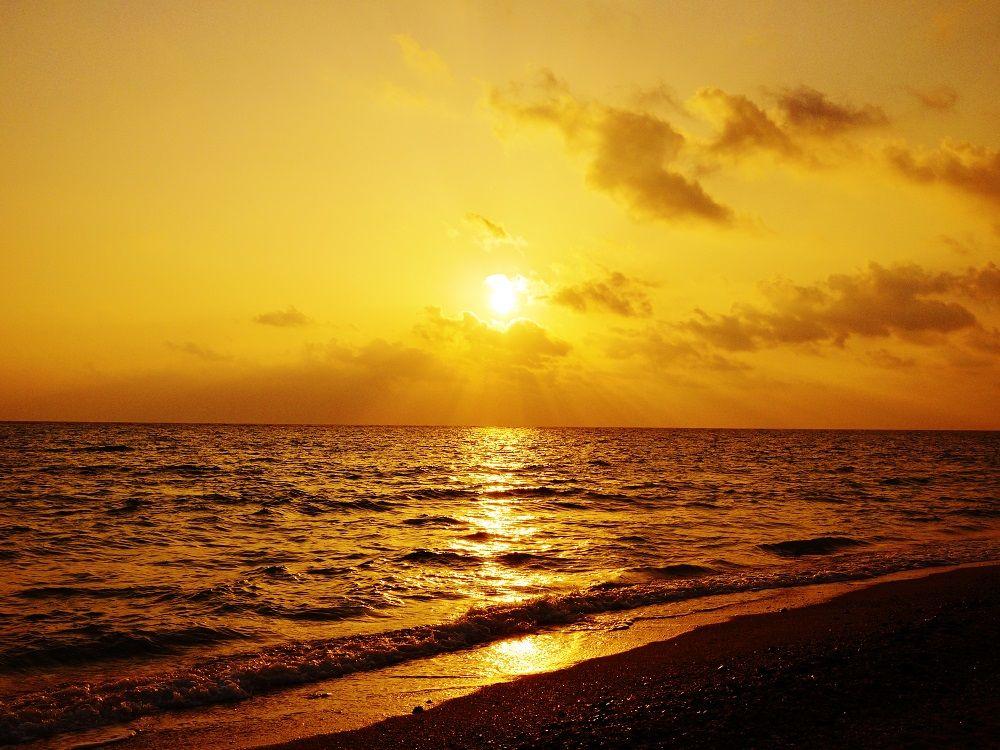 久米島で静かに海を眺めたい時にオススメの「アーラ浜」