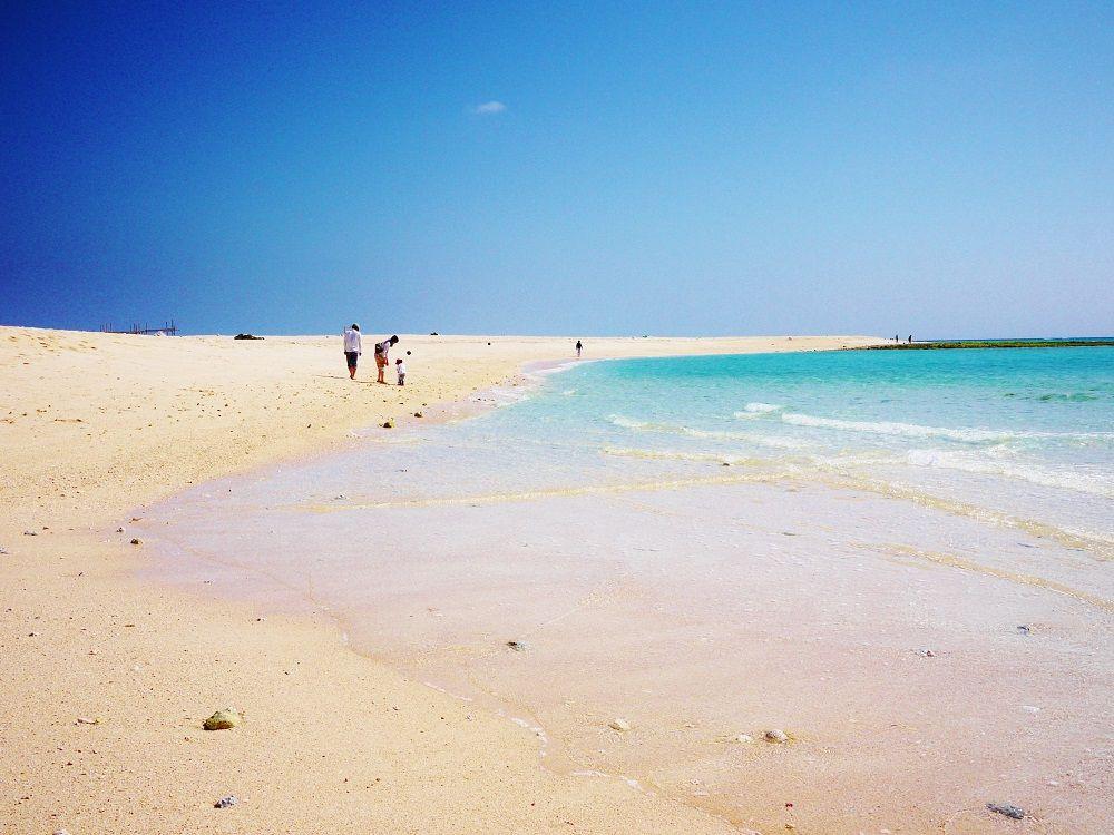 東洋一美しい無人島!沖縄県久米島「はての浜」での過ごし方