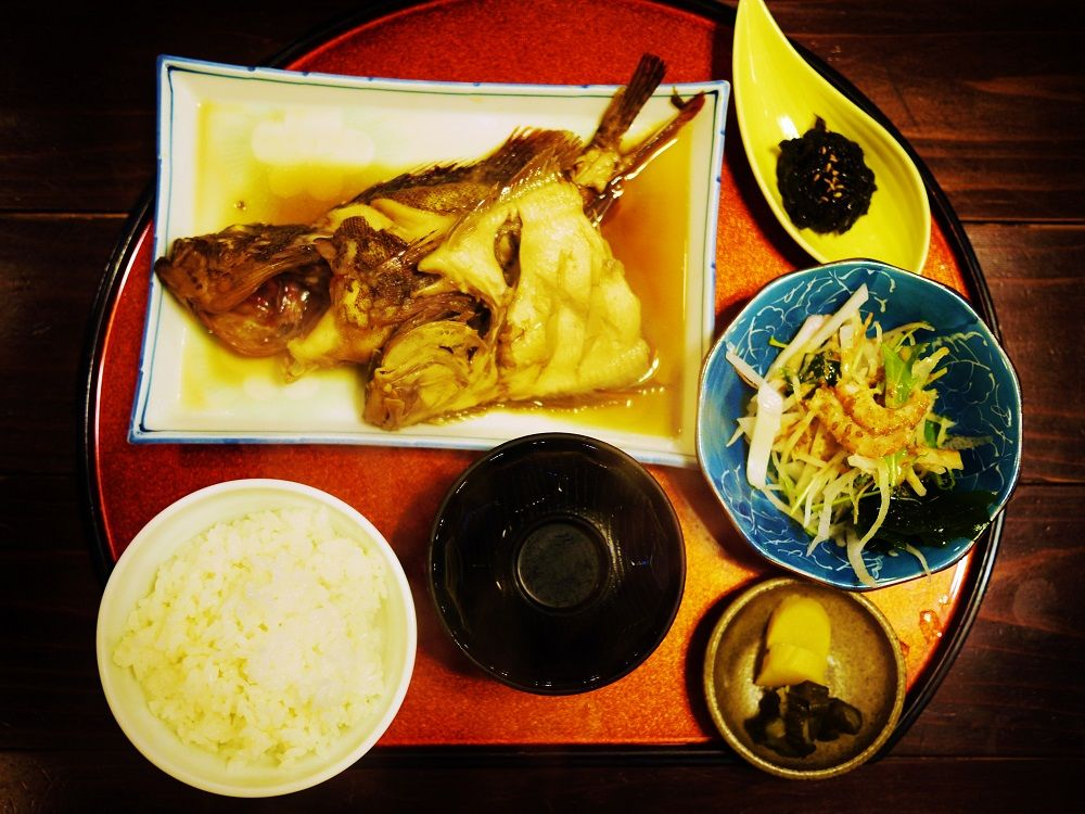 ランチは日間賀島の美味しい海の幸をゆっくり味わおう!