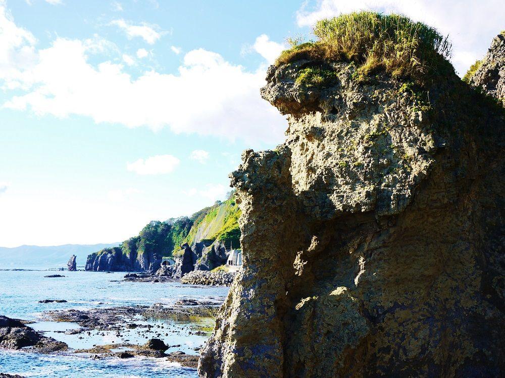 奇石「親子熊岩」と絶品アワビ!北海道せたな町観光&グルメ