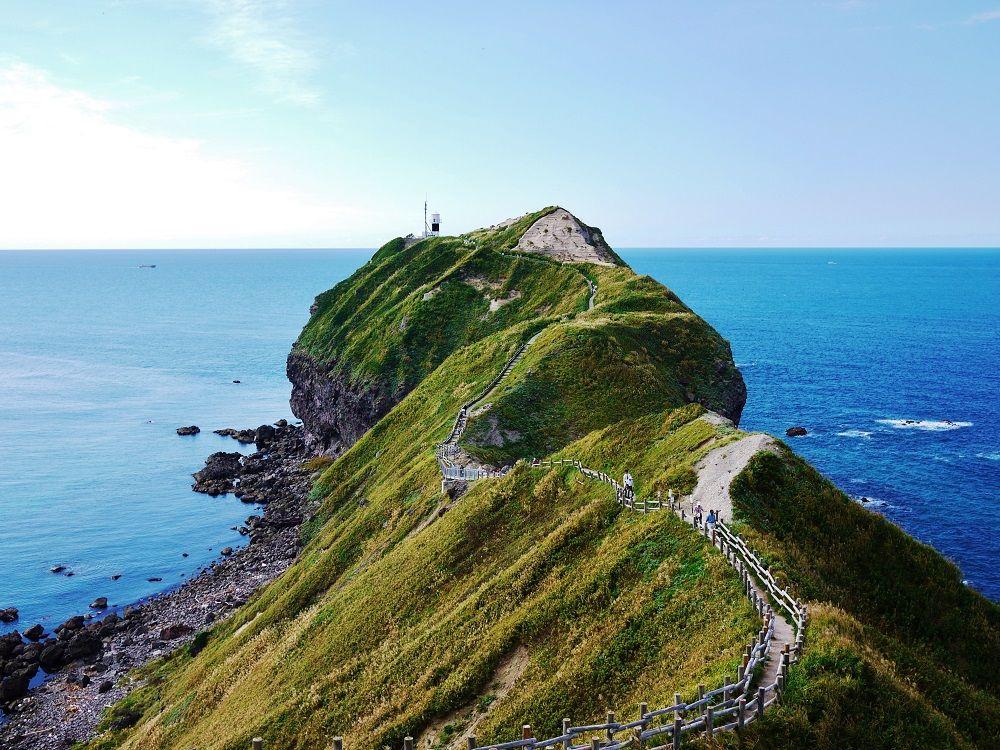絶景!積丹ブルー観光&グルメ!北海道「積丹半島・神威岬」