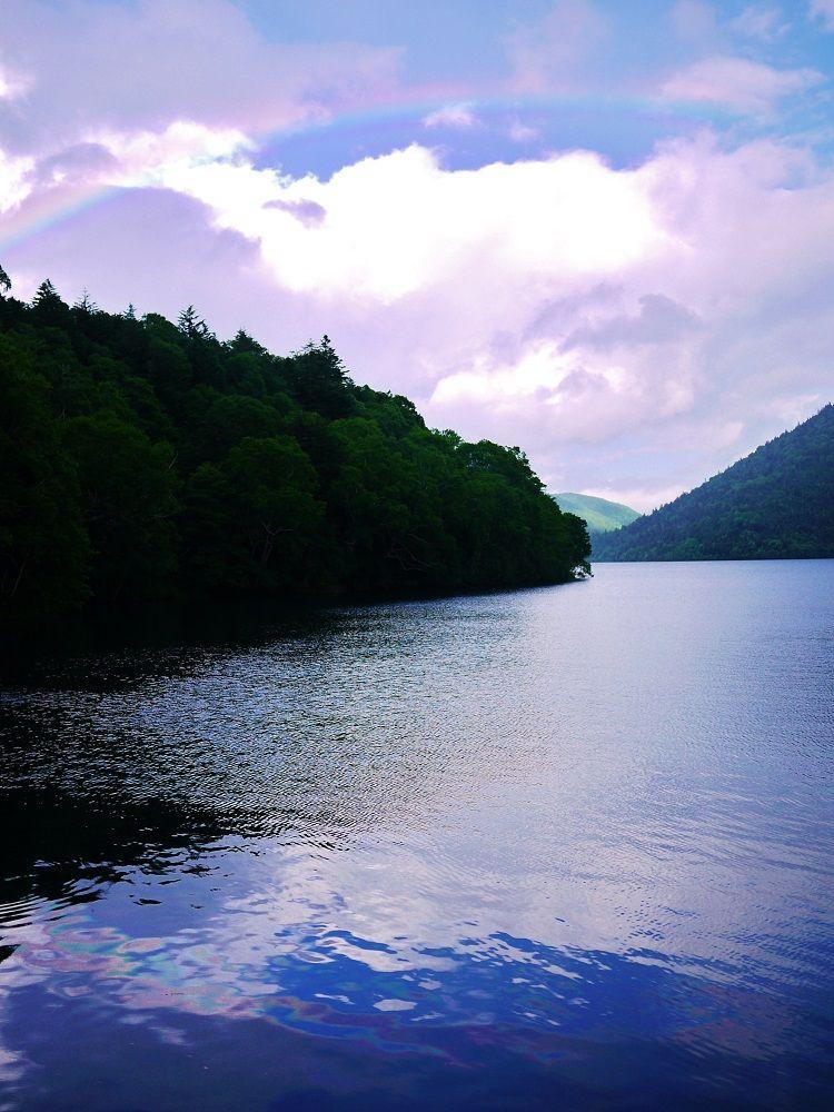 大雪山系の大自然が美しい「然別湖」は北海道一高い場所にある湖