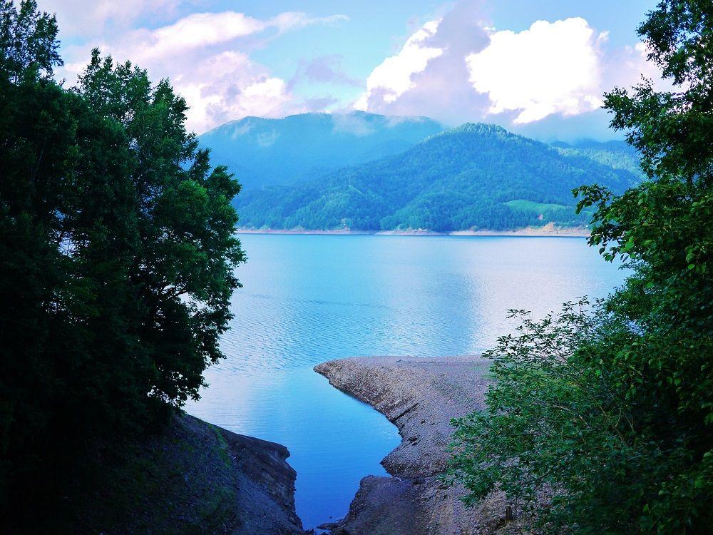 「東大雪」の神秘的ブルーを見るなら然別湖&糠平湖がオススメ!