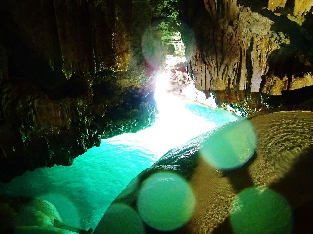 宮古島の神秘「保良泉鍾乳洞」で体験する宮古ブルー
