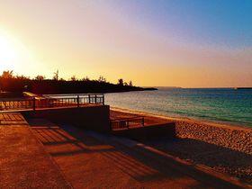 宮古島市街地の夕食前はパイナガマビーチでサンセット鑑賞