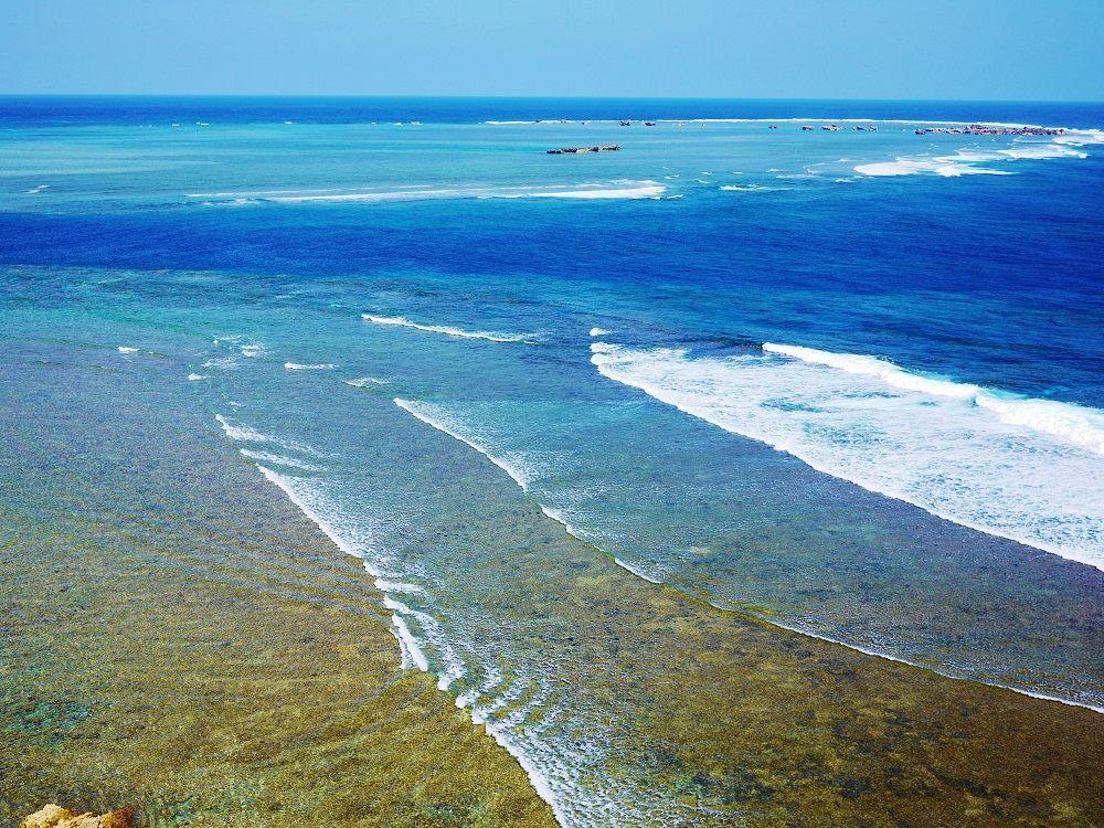 日本国指定名勝の海は宮古ブルーの絶景!