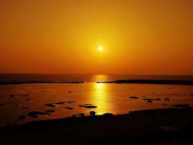 久米島空港から3分!絶景サンセットスポット「シンリ浜」