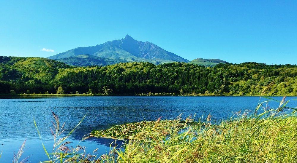 有名な北海道銘菓に描かれる利尻山の姿を望むスポット
