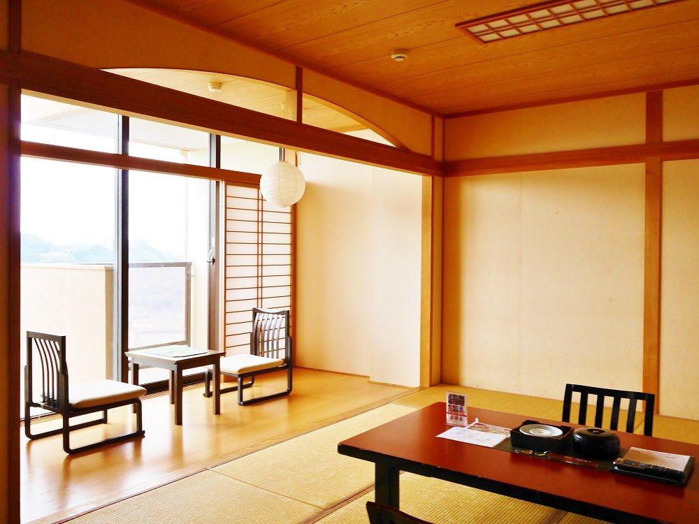 昭和の雰囲気とあたたかいおもてなし、広々とした客室も魅力