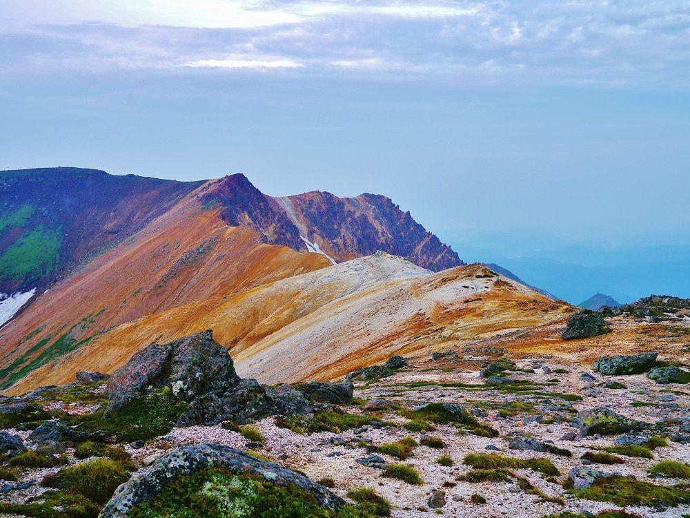 """北海道の屋根""""大雪山""""を歩く!黒岳から愛別岳へ縦走登山"""