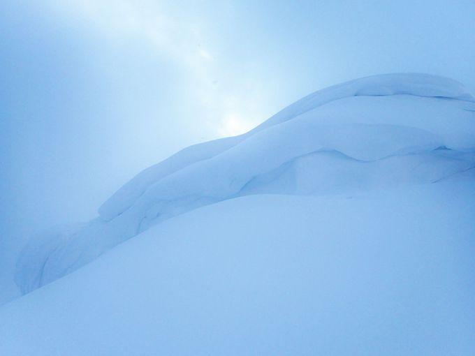 最後の急登の先には山頂が待っている!