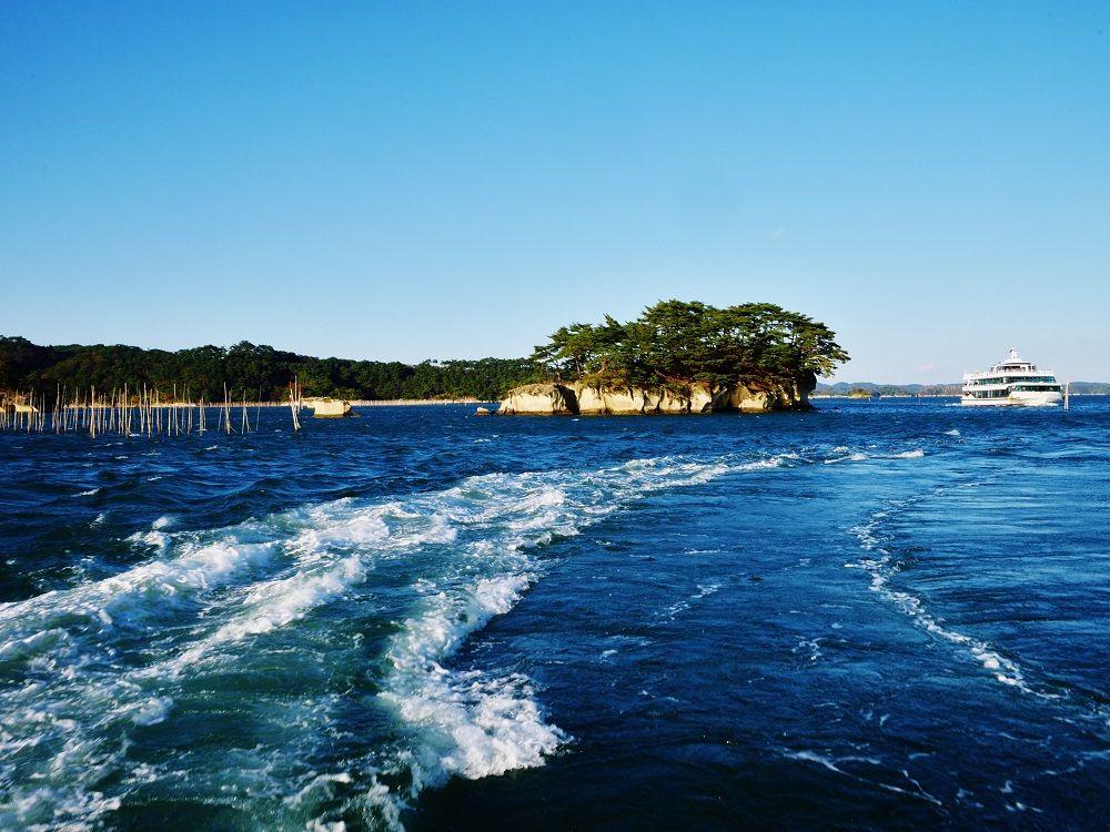観光船には松島発塩釜行きもあります