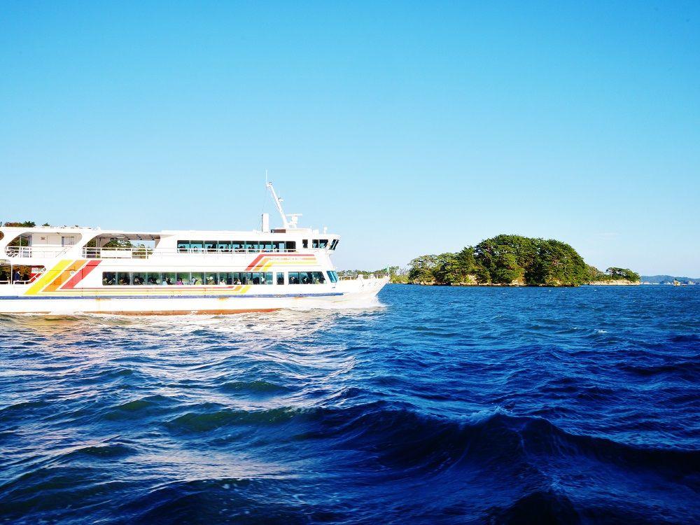 海上から望む日本三景の絶景!観光船で巡る美しき松島湾