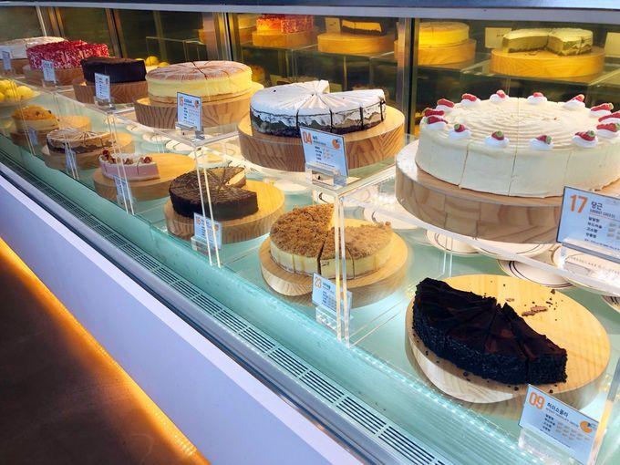 地下1F:チーズケーキオーダーフロア