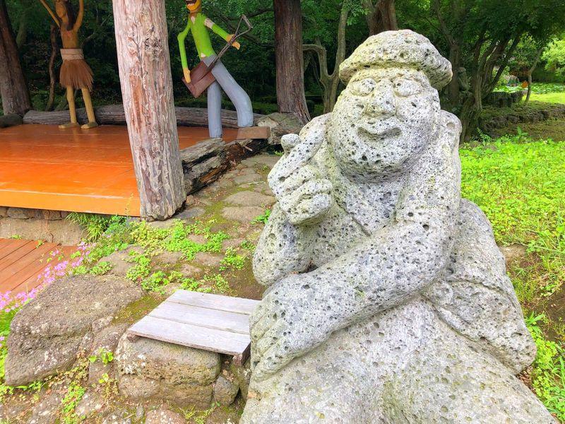チェジュ島の守り神がユニーク!?一度は行きたいトルハルバン公園