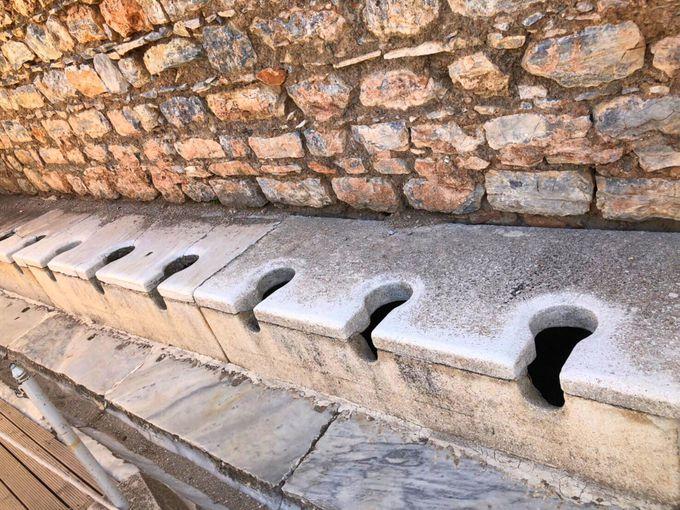 """見学ポイント3.清潔感のある""""温泉と公衆トイレ"""""""