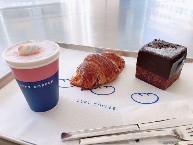 1番人気のモチモチ食パンと3種類のコーヒー豆