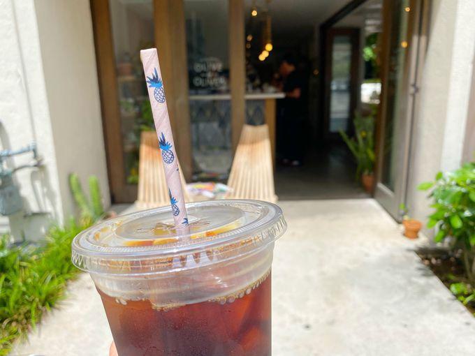 ここだけのコーヒーとSNSで話題のパイン柄デザインカップ
