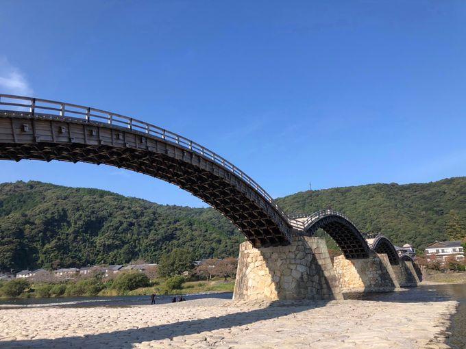 奇跡の名橋ともいわれる名勝「錦帯橋」