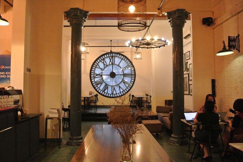立地と雰囲気で選ぶなら「ロフトカフェ」