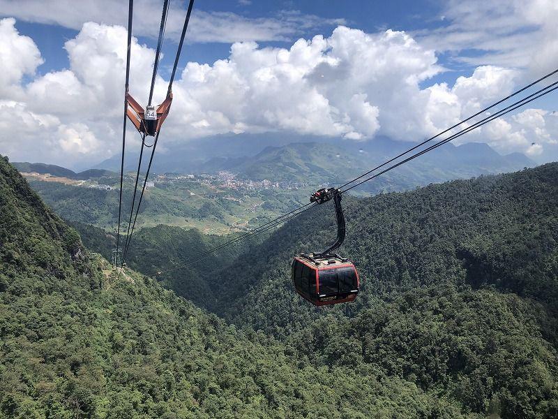 ギネス認定ロープウェイで気軽に3000m超えの山へ!ベトナム・サパ