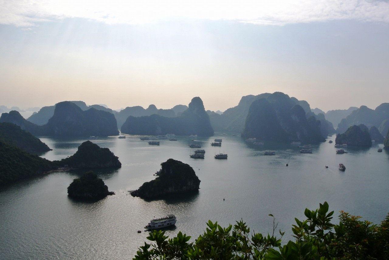 ベトナムのおすすめ絶景スポット7選 大自然からテーマパークまで!
