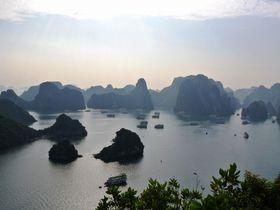 ベトナムの世界遺産・ハロン湾の1泊2日お手軽クルーズ