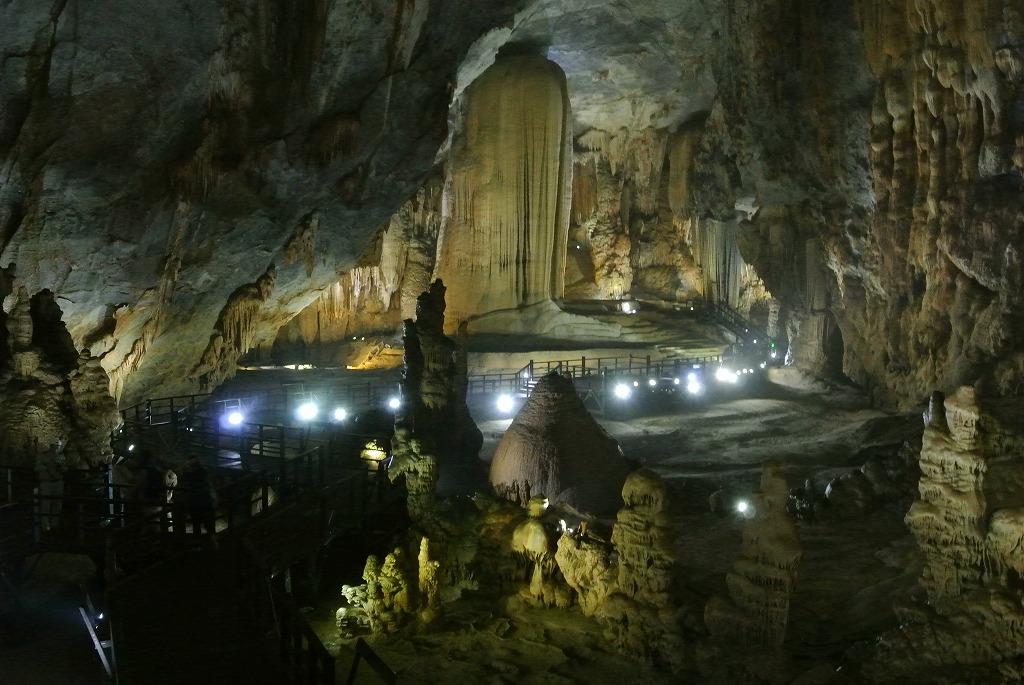 圧倒的な存在感!天国の洞窟