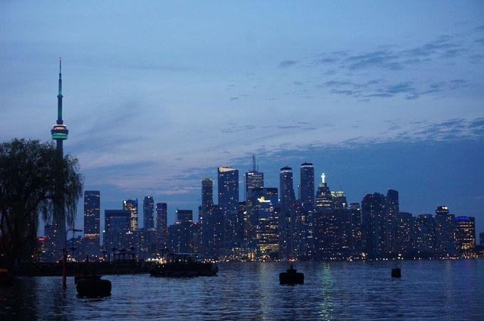 夕日と夜景で楽しむトロントの街