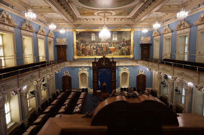 「ケベック州議事堂」で政治の場をのぞいてみよう