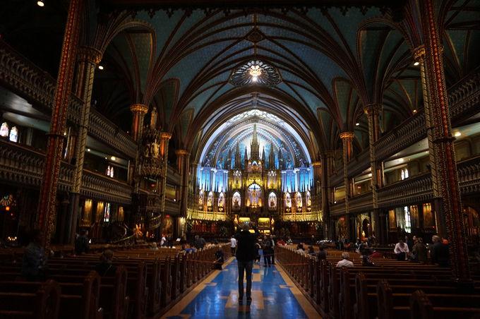 教会の中は異世界!内装が美しい「ノートルダム大聖堂」