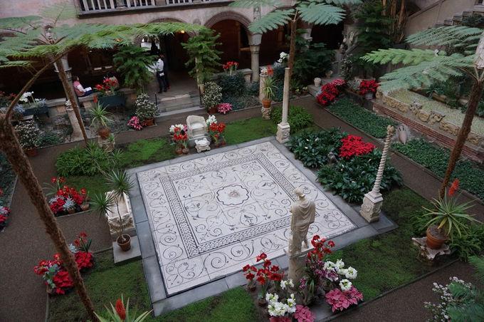 庭園が美しい「イザベラ・スチュワート・ガードナー美術館」