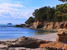 浜辺に佇むベッドも!愛知県「佐久島」は絶景とアートの連続