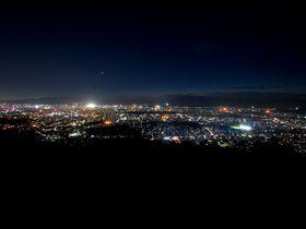 夜景に雪景色も!様々な顔を見せる京都の大文字山に登ろう!