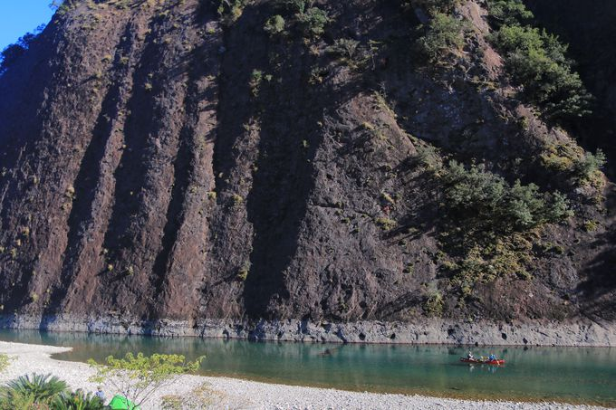 圧倒的な青さで迎える秘境「古座川峡」
