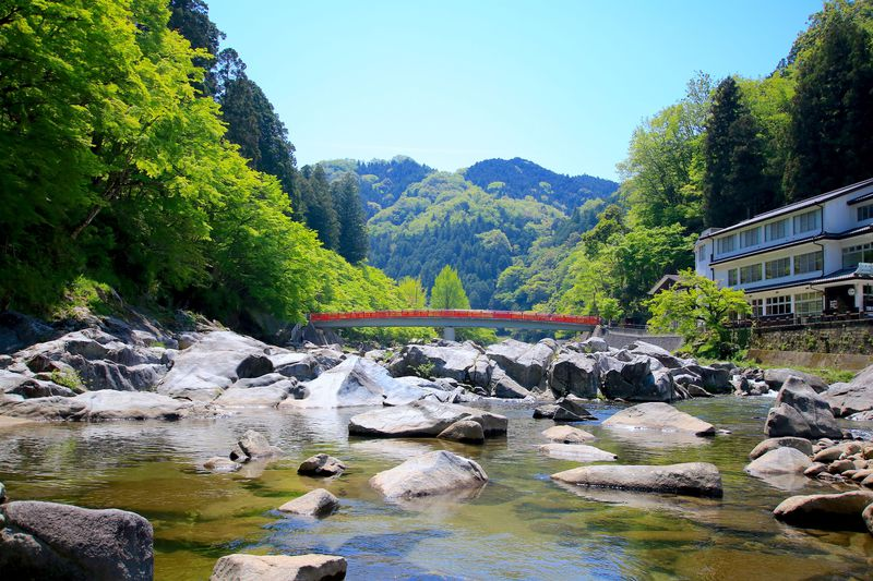 豊田市足助町「香嵐渓」は生命力溢れる新緑の時期がベスト!