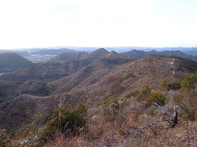 山頂からの眺めも抜群!播磨アルプスから見る小豆島